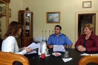 Miembros de la Policía Comunitaria se reunieron con la presidente del Concejo Deliberante, señora Villoria.