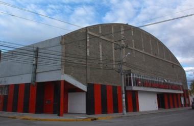 """El gimnasio """"Alfredo García"""" del Club Independiente necesita refacciones y el municipio quiere ayudar."""