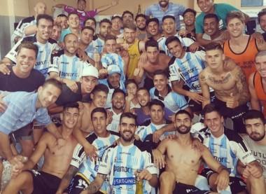 Racing de Córdoba volvió al Federal A en el último partido del año y así lo festejó.