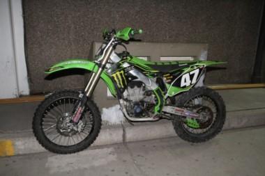 Una moto de cross también fue hallada en la finca.