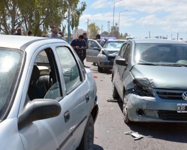 Un Chevrolet Corsa, un Gol Trend y un Fiat Siena. En ese orden circulaban al momento de la colisión.