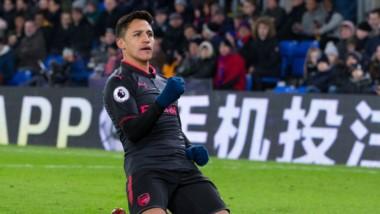 Arsenal, con doblete del chileno Alexis Sánchez, se impuso 3-2 al Crystal Palace que tuvo al argentino Julián Speroni en el arco.