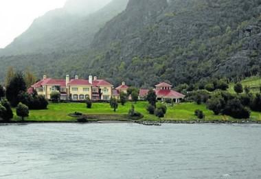 Casona del multimillonario inglés Joe Lewis en Lago Escondido.