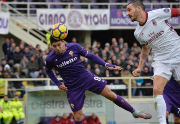 Giovanni Simeone le metió un gol al Milan pero la Fiorentina no pudo ganar.