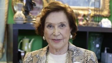 Muere Carmen Franco Polo, única hija de Francisco Franco, tras complicarse el cáncer terminal que venía padeciendo. Tenía 91 años.