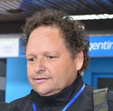 Walter Flores, director.
