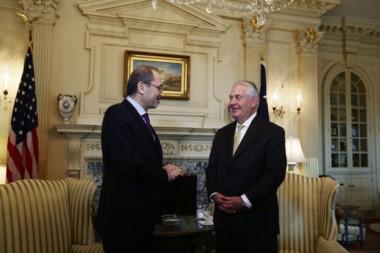 Ayman Safadi y Rex Tillerson en Petra.