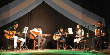 Alumnos del  taller de guitarra de Aldo Ferreyra realizaron una excelente presentación en el cierre anual.