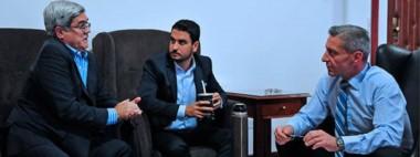 Arcioni y Miquelarena abordaron distintos temas. Participó el fiscal de Estado, Diego Martínez Zapata.