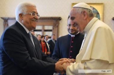 El Sumo Pontífice se ha reunido en un par de ocasiones con el presidente Abbas en claro respaldo a la postura palestina.