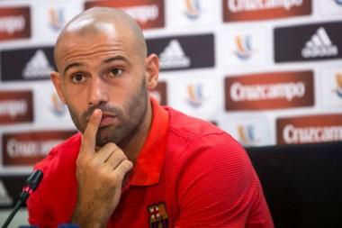 Todo indica que Mascherano, sin lugar en Barcelona, prefiere ir a China o a la MLS antes que volver a River.