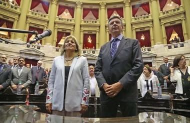 Formales. Rosa Muñoz y Gustavo Menna juraron para ocupar sus bancas en un período que será caliente.