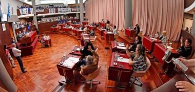 Aprobado. La mayoría de los diputados aprobaron el dictamen de Chubut Somos Todos y así Provincia se garantizó oxígeno para el erario y el pago del aguinaldo antes de fin de año.