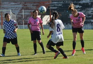 La Plata venció a Concordia por la mínima y jugará la final ante Mendoza. En la fase de grupos las mendocinas vencieron a las platenses 4-1.