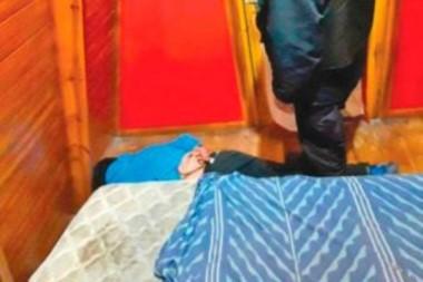 El sujeto fue detenido en el dormitorio de su expareja (foto diario Crónica)