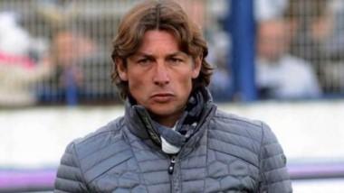 Henize, ex entrenador de Argentinos Juniors está cerca de Vélez.