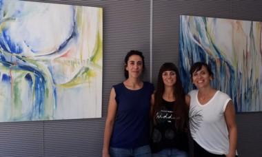 Las artistas María Cruz Sueiro, Lorena Mendioroz y Micaela Canosa.