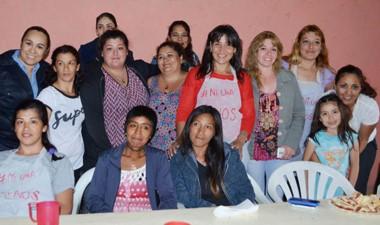 Las participantes  satisfechas de la acción solidaria impulsada.