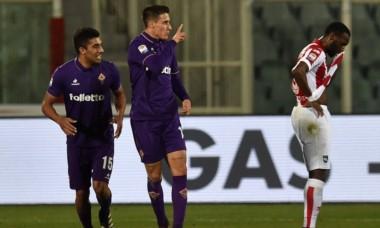 Fiorentina le ganó a Pescara en un juego pendiente del Calcio.