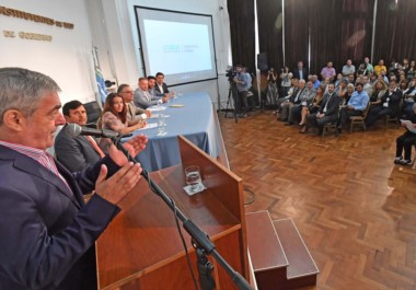 El gobernador anticipó que en los encuentros de hoy en Casa Rosada buscará llevarse soluciones concretas que resuelvan los problemas.