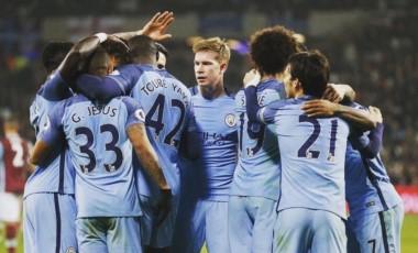El festejo de los jugadores del City por una goleada que necesitaban para tomar confianza.