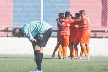 Moreno pasó por arriba al elenco esquelense y demostró su chapa de candidato.