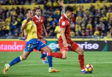 Joaquín Correa y su primer gol en La Liga, lo festejó con el público.