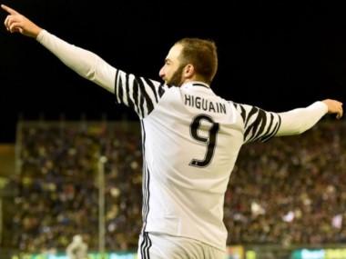 Higuaín guía a la Juve al triunfo ante CagliarI.