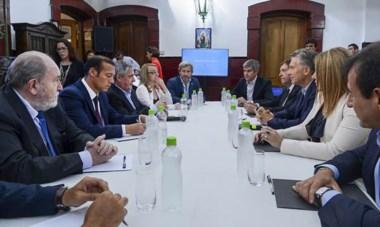 El encuentro con Macri en Viedma. El Plan Patagonia fue el puntapié para que Chubut reclame modificaciones tributarias de inmediato.