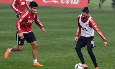 Ver a Lollo y Larrondo trabajando con pelota, es una gran noticia para River.