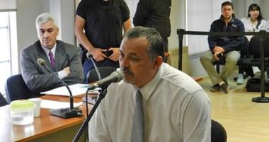 Dante Donnini junto a su abogado defensor, el doctor Gustavo Castro en una de las audiencias de juicio.