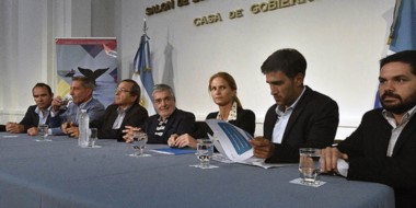 El gobernador  junto a las autoridades de Aerolíneas Argentinas repasó la programación para 2017.