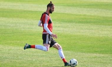 Larrondo volvió a hacer fútbol y entró entre los convocados para el amistoso con San Martín.