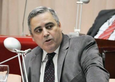 El jefe del bloque del FpV se refirió a la situación institucional.