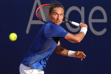 En silencio, Alexandr Dolgopolov es finalista del Argentina Open tras vencer a Carreño Busta.