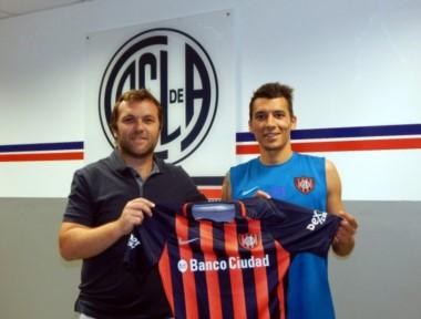 Botta fue presentado oficialmente en conferencia de prensa por el manager, Bernardo Romeo.