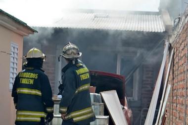 Las llamas se propagaron rápidamente y la destrucción fue total.