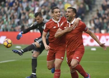El chubutense Mercado llegó a los 30 partidos en Sevilla y esto benefició a River.