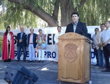 En su discurso, Burgoa pidió menos discursos y más hechos.