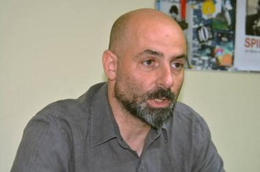 Hernán Pereira, delegado de ENACOM en Trelew, que toma denuncias de telefonía, internet y cable.