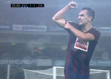 Gonzalo Escalante anoto el empate del Eibar ante la Real Sociedad.