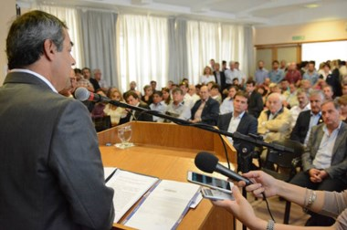 Tcharián confirmó el pago de una deuda por el proyecto Eólico y adelantó su próxima reactivación.