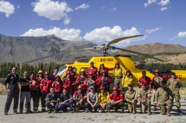 Se capacitó en ascenso y descenso de helicópteros, manejo de helibaldes y traslado de herramientas.