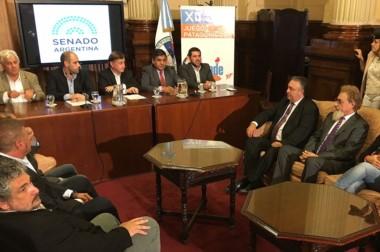 En el Senado de la Nación, Ñonquepán participó del acto de lanzamiento de los Juegos de la Patagonia.