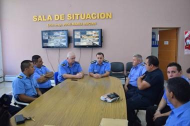 Respaldo. Los representantes de la policía recibieron el aval de la Jefatura para sus reclamos salariales.