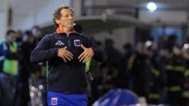 Troglio renunció como entrenador de Tigre. GELP ganó en Victoria luego de 19 años.