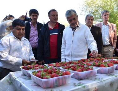 El gobernador Das Neves resaltó la generación de empleo en Chubut.