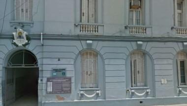 Frente de la comisaría donde esta tarde se desarrolló la tragedia. (Archivo)
