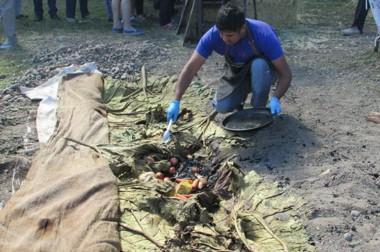 """Destapando el curanto. """"Sabor  Mapuche"""" se lució en la Fiesta de los Viñedos."""