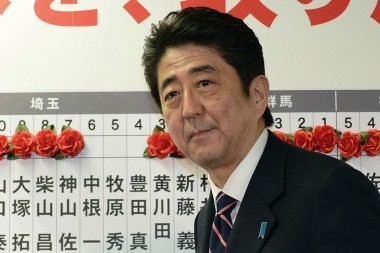 El premier Shinzo Abe tiene un frente interno complicado; y del externo, ni hablar...